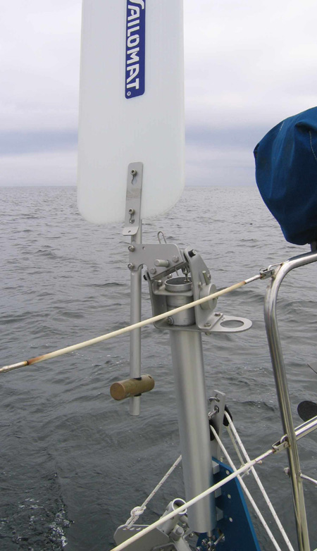 SAILOMAT 700, vertical mast tube and vane assembly.